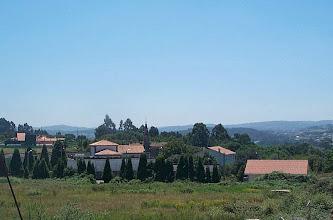 Photo: Vista da igrexa de Cortiñán (2003)
