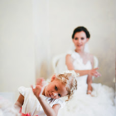 Wedding photographer Olga Uskova (Usik). Photo of 12.12.2015