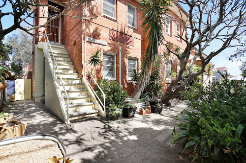 Photo of property at 1/3 Golf Parade, Manly 2095