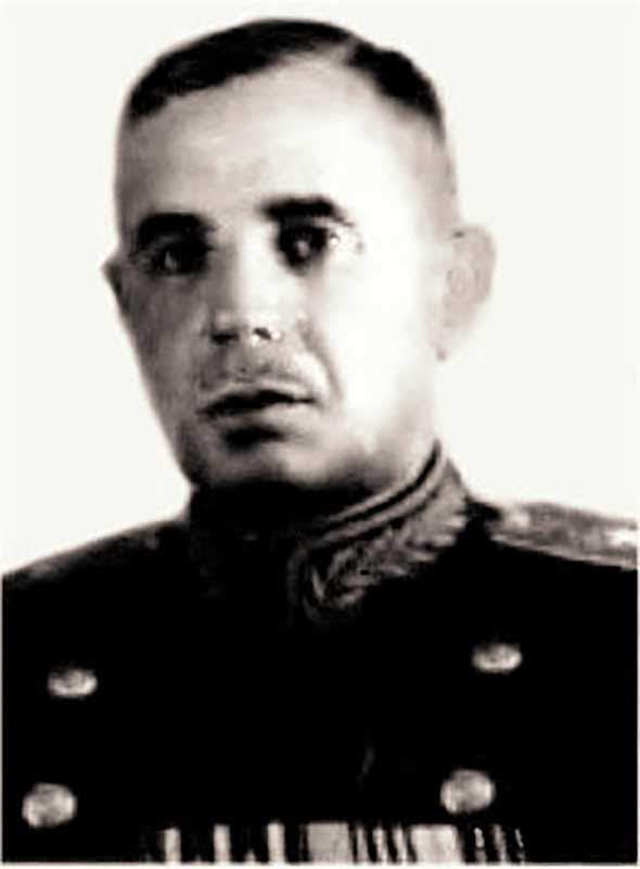 Гайдуков В.А. - командир 17-й кд