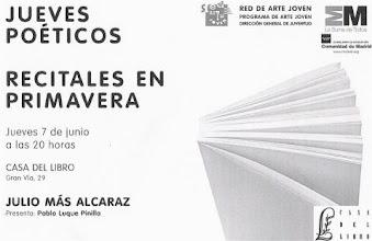 Photo: ...y presentando a Julio Más Alcaraz