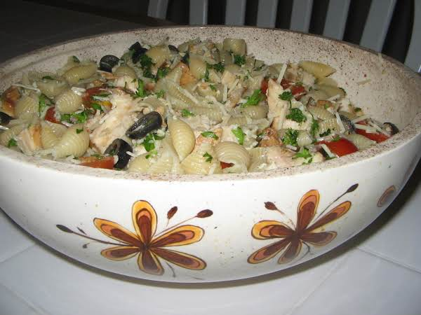 Kc- Made This One With Celery,grilled Chicken,celery , Olives, Olive Oil And  Fresh Lemon Juice, Tomatoes, Onions Flakes, S&p And Parsley.