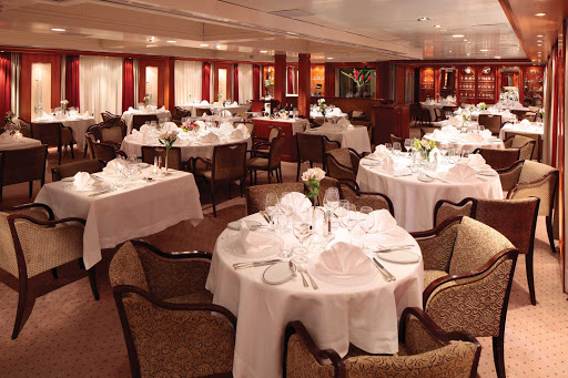Seadream-Dining-Salon.jpg - The Dining Salon on SeaDream offers a fine dining experience with the freshest ingredients.