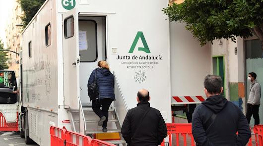 Más de 500 almerienses de tres localidades, llamados para test de antígenos
