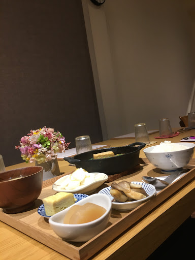 定食、壽喜燒以及小菜都好吃😋