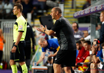 Opvallend: Davies mag zelfs vrijdag de match niet meer coachen