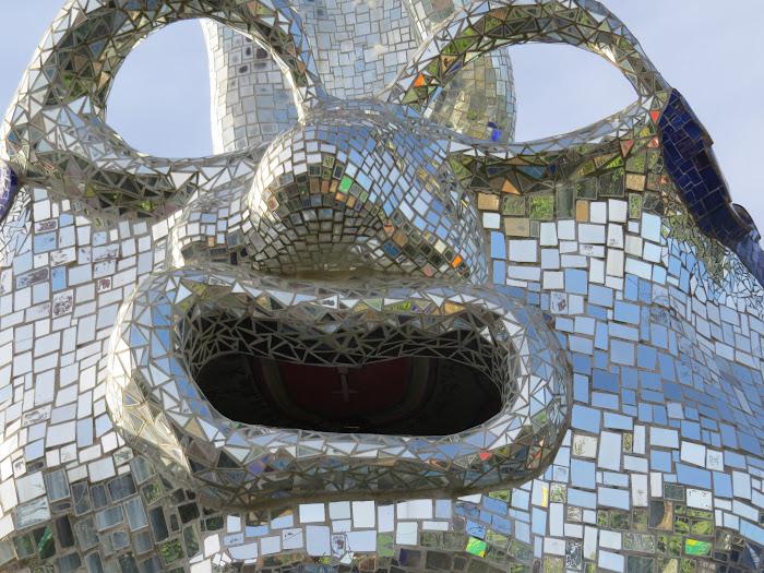 Niki de Saint Phalle, Il mago (come una maschera veneziana), Giardino dei Tarocchi, Garavicchio (Capalbio)