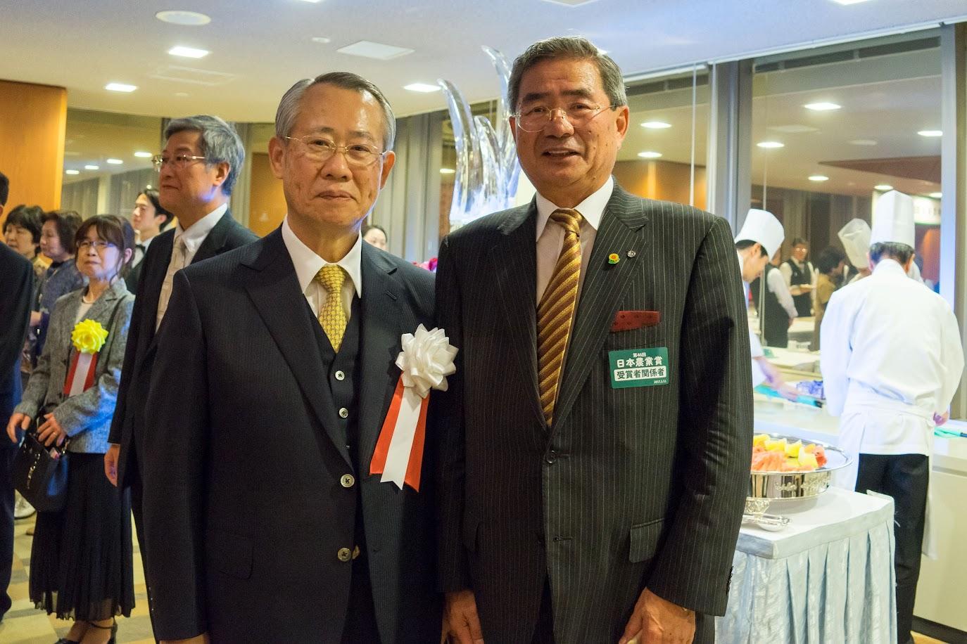 左:日本放送協会(NHK)上田良一 会長 右:北竜町・佐野豊 町長