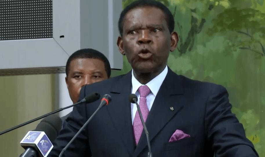 Obiang Nguema Mbasogo, lleva la pena de muerte en el ADN y la aplica y aplicará, con la ley en la mano, o sin ella. *Una de las grande... Ejercito De Tierra, Sonidos Del Silencio, Tenebrosos, Sentencia, Ofensas, Dictadura, Penados, Alguien Como Tú, Muerte