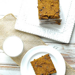 Healthy Pumpkin Chocolate Chip Cookie Bars.