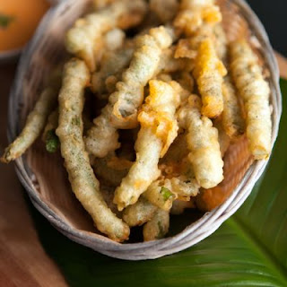 Copycat Ruby Tuesday's Tempura Green Beans