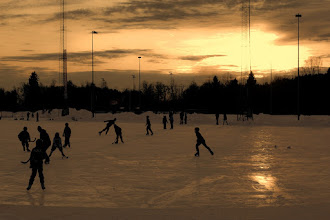 Photo: Winter Sunset  Good morning  I will go to university now:)  ノルウェー冬の夕日 #DawnOnSunday curated by +Ray Bilcliff