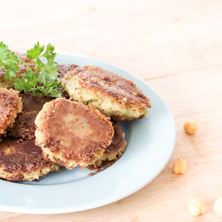 Revithokeftedes | Chickpea Fritters