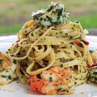 Garlic Linguine Pasta with Prawns.