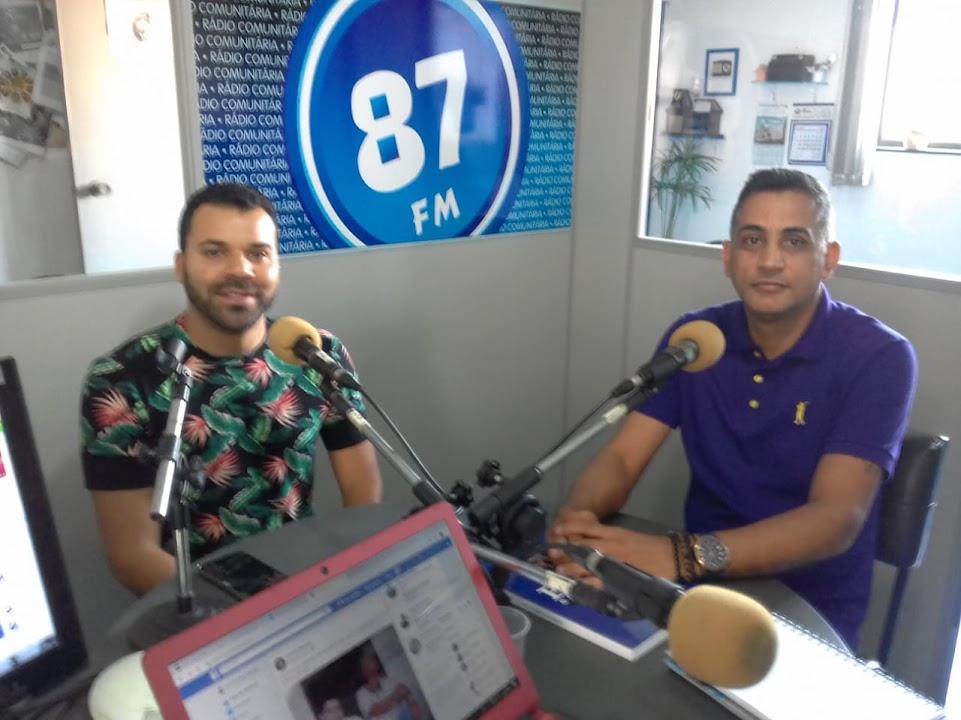 Prof.º Fabrício Dos Santos Rita e Prof.º Claudiomir Da Silva Santos