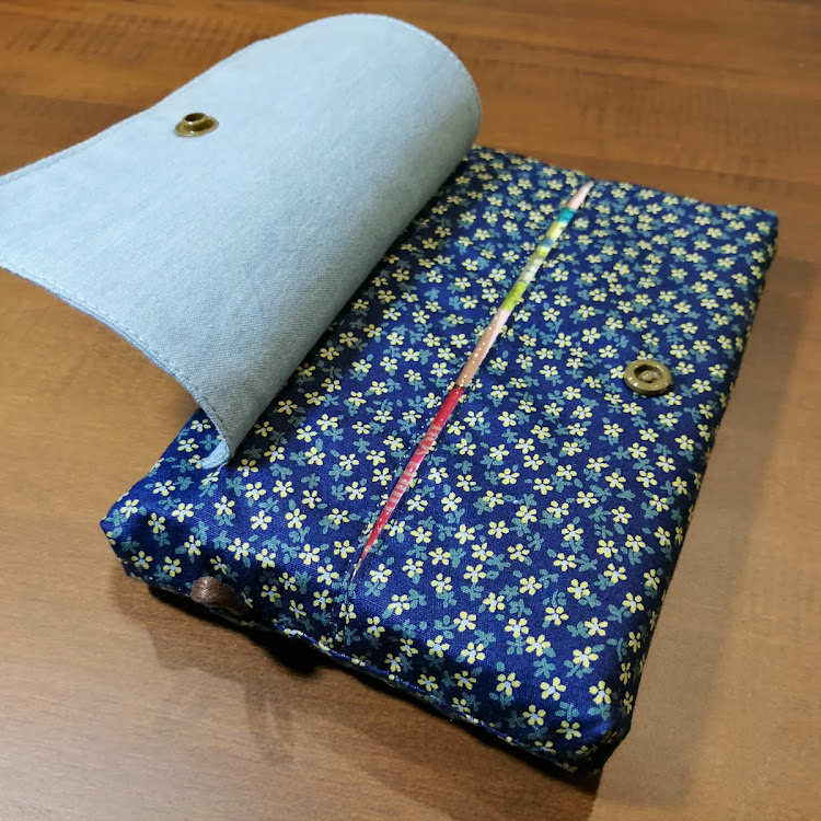 TISSUE POUCH with COVER 002 by Migoe Handmade