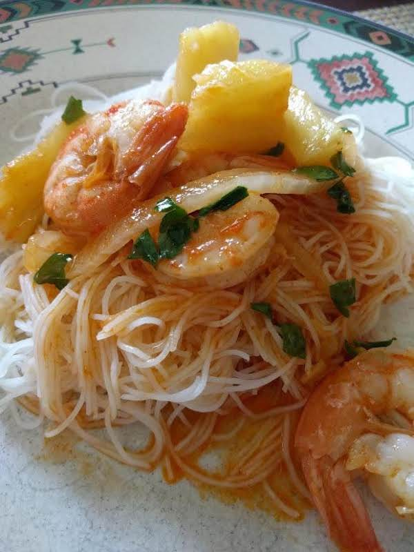 Pineapple Curry With Jumbo Shrimps Recipe