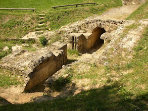 Photo: Regulation basin near Uzès, part of the Roman aqueduct of Nimes. Note the grooves to direct the water