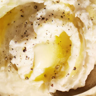 Creamy One-Pot Garlic Mashed Potatoes.