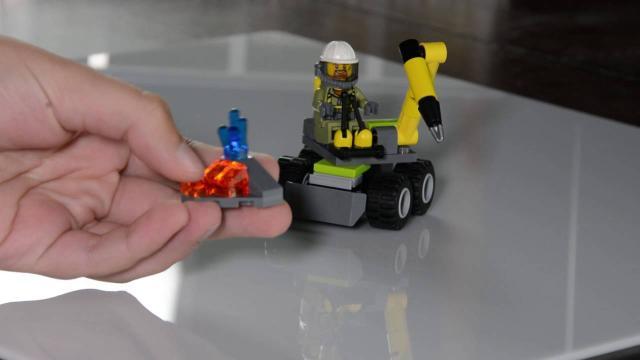 Chơi với Lego City Máy khoan núi lửa