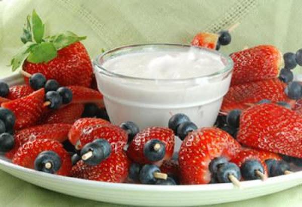 Berry Kabobs With Yogurt Recipe