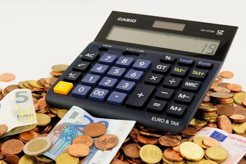 Restaurants Calculator on Top of Money