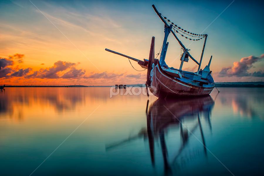 .:: red horizon ::. by Setyawan B. Prasodjo - Transportation Boats ( water, device, transportation )