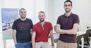 Vitaesoft es una empresa formada por Fernando Cardila, Rafael Bernabeu y Cristian Navarro.