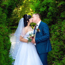 Wedding photographer Ekaterina Deputatova (katepetra). Photo of 08.05.2017