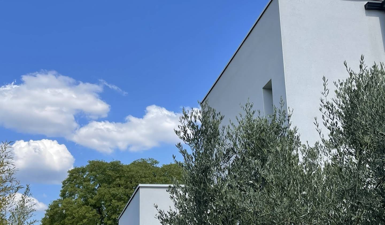 Maison contemporaine avec piscine et jardin Saturargues