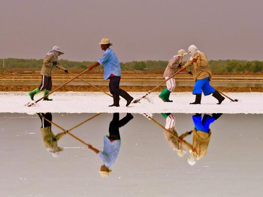 Salt Workers di Silvio Lorrai