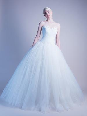 robe-de-mariee-tania-robe-de-mariee-princesse-robe-de-mariee-bustier-drape-dentelle-perlee