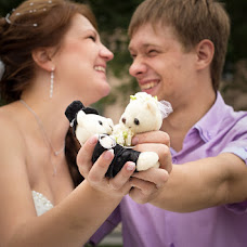 Wedding photographer Vika Tolmacheva (Viko). Photo of 03.09.2013