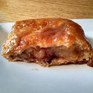 Easy Caramel Pecan Apple Pie Pockets.