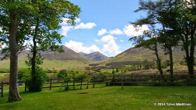 Photo: Näkymä Kylemoren luostarin läheltä ympäröiville nummille.