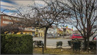 Photo: Piata 1 Decembrie 1918 - Troita Greco-Catolica, vedere din parc - 2017.02.24
