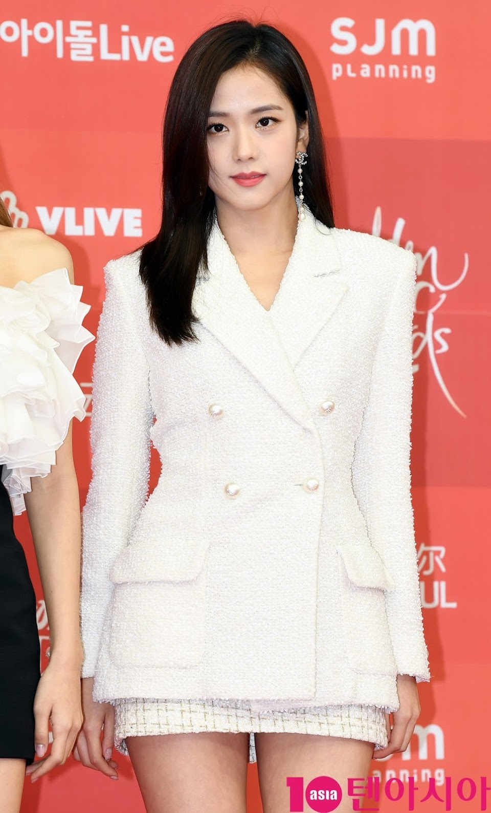 8-BLACKPINK-Jisoo-Golden-Disc-Awards-2019-Red-Carpet