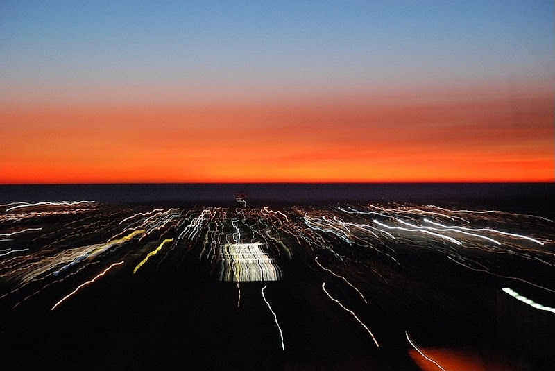 Scie di luci al tramonto di Luciano Fontebasso