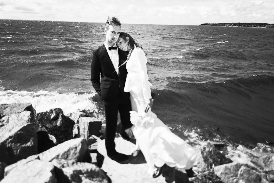 Wedding photographer Sergey Narevskikh (narevskih). Photo of 02.12.2013