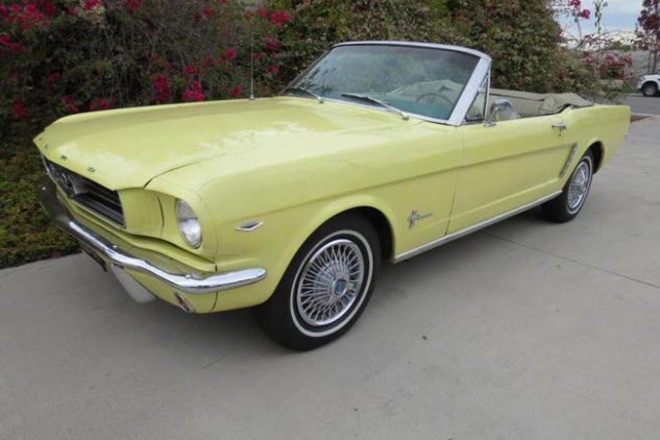 1965 Ford Mustang Convertible / Sunshine Hire CA