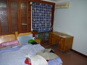 Photo: Beijing - 3rd room in nice new warm apartment just after owners moved away, 1st time rented, 4th floor (EU 3rd) out of 6 (EU 5), nice bathroom comparable to Europe, nice kitchen for China with modern washing machine, microwave and fridge, 3 bedrooms + living room where will be created small separated artificial room, three available, not yet made smallest for 1100RMB, normal one for 1500RMB and big one connected with balcony for 1600RMB, good english speaking flatmate from Huawei in room for 1400RMB which plan to subscribe for shared internet, so it was quite quick decision to take regular room without balcony for 1500RMB, so I gave him deposit 100RMB to stop offering this room until signing contract (with receipt written by him), mess in living room because he was un/packing stuff after moving, on my room for 1500RMB already after few nights, photo taken 111128