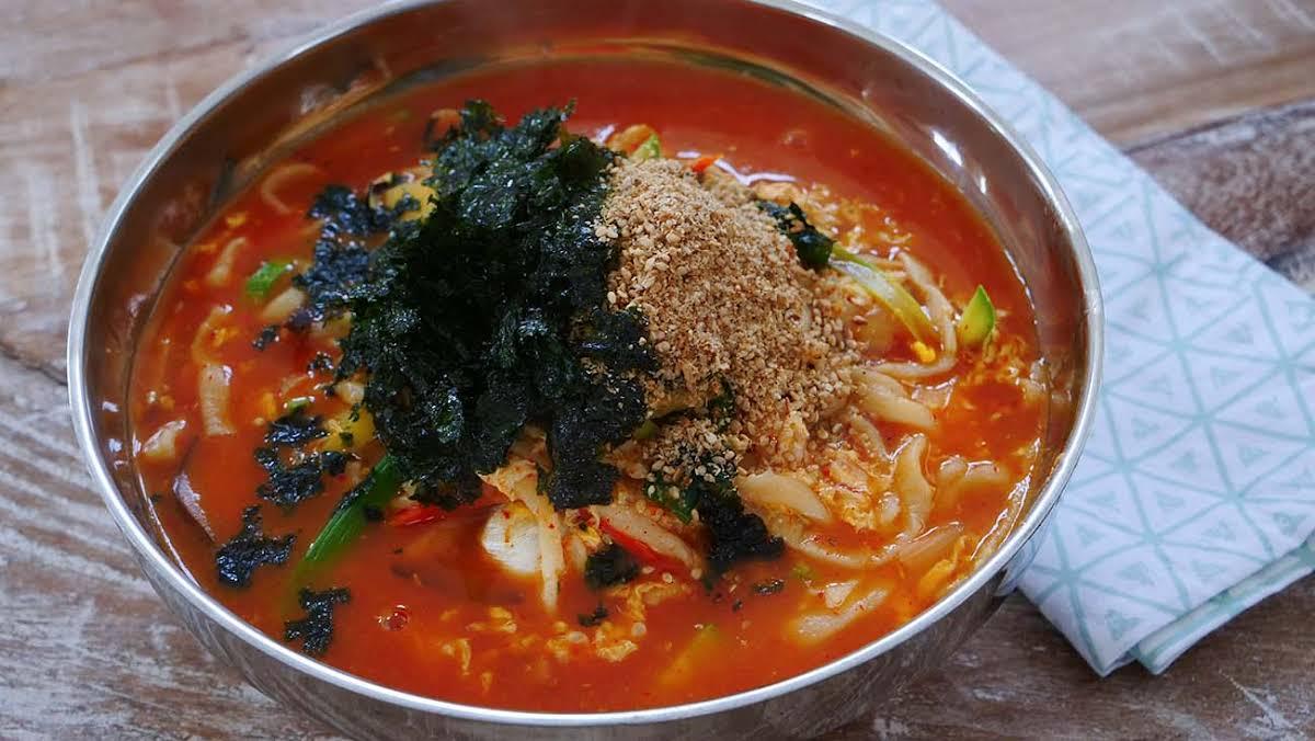 10 Best Korean Noodle Soup Recipes