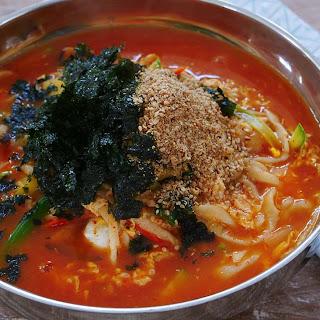 Jang Kalguksu, Korean Spicy Noodle Soup.