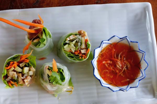 Prepare Thai Salad Role