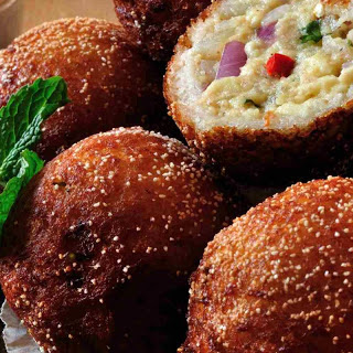 Paneer Stuffed Bread Fritters