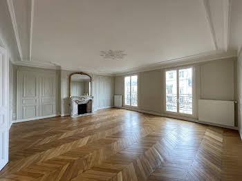 Appartement 5 pièces 151,74 m2