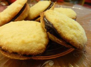 Banana Chocolate Cream Sandwich Cookie Recipe
