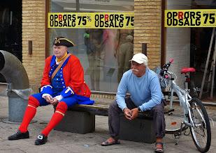 Photo: Dänen in ihrer Freizeit: so und so.  Rein zufällig werden wir in Frederikshavn Zeugen eines alljährlichen Spektakels.