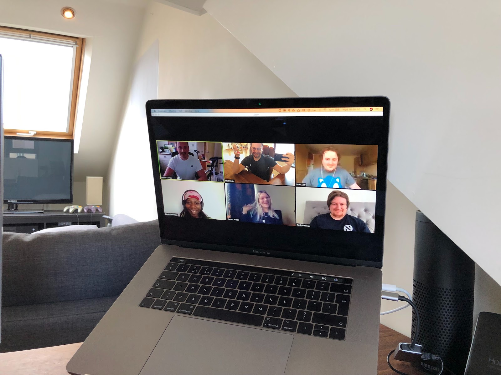 Remote team, Quuu, during a Zoom video call