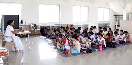 Photo: Bramhacharini Kalindiben taking Prathmik class